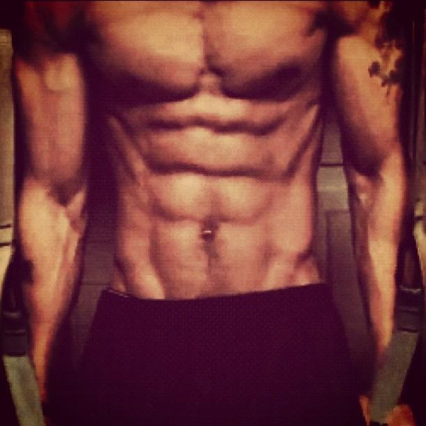 Brandon-Carter-abs-workout-high-life-workout-plan-free